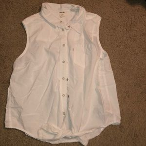 Levi's button up sleeveless blouse
